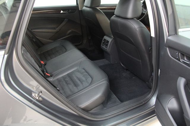 2013 Volkswagen Passat V6 SEL Premium Richmond, Virginia 27