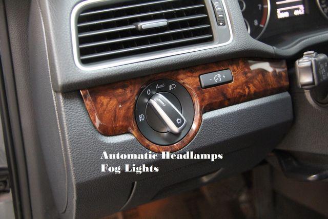 2013 Volkswagen Passat V6 SEL Premium Richmond, Virginia 11