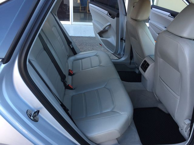 2013 Volkswagen Passat SE 3 MONTH/3,000 MILE NATIONAL POWERTRAIN WARRANTY Mesa, Arizona 12