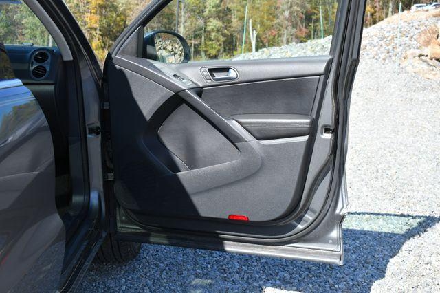 2013 Volkswagen Tiguan SE w/Sunroof Naugatuck, Connecticut 10