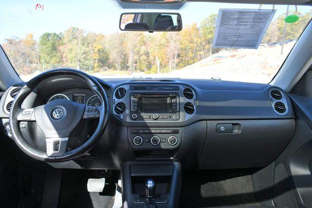2013 Volkswagen Tiguan SE w/Sunroof Naugatuck, Connecticut 17