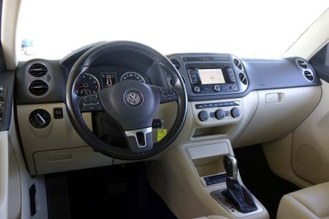 2013 Volkswagen Tiguan SE w/Sunroof* Nav*Leather* EZ Finance** | Plano, TX | Carrick's Autos in Plano, TX