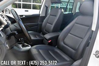 2013 Volkswagen Tiguan SE w/Sunroof & Nav Waterbury, Connecticut 13