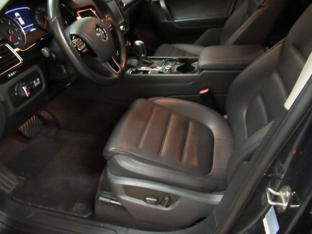 2013 Volkswagen Touareg Sport w/Nav Austin , Texas 10