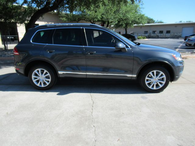 2013 Volkswagen Touareg Sport w/Nav Austin , Texas 8