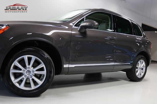 2013 Volkswagen Touareg Sport w/Nav Merrillville, Indiana 32