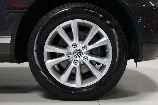 2013 Volkswagen Touareg Sport w/Nav Merrillville, Indiana 48