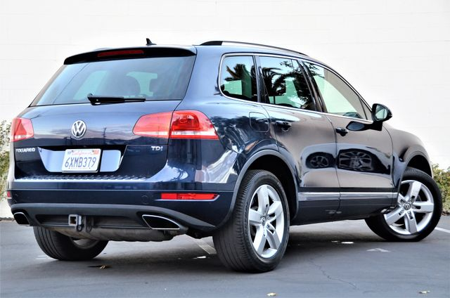 2013 Volkswagen Touareg Lux Reseda, CA 1