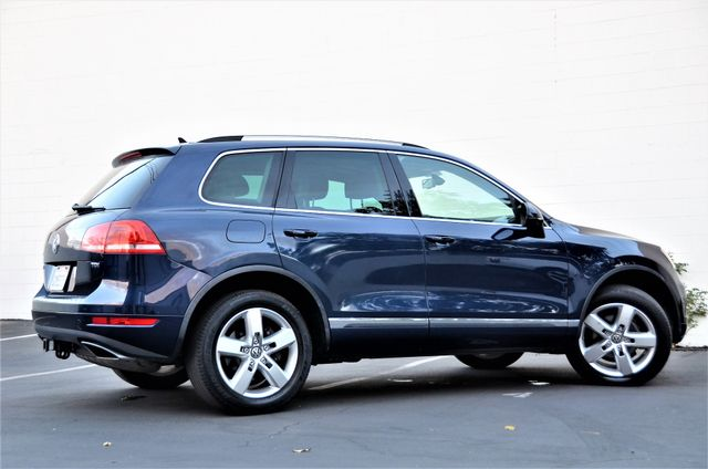 2013 Volkswagen Touareg Lux Reseda, CA 18