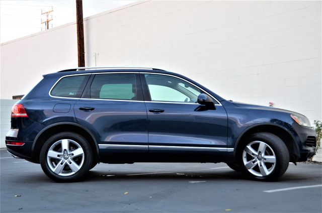 2013 Volkswagen Touareg Lux Reseda, CA 19