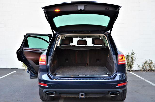 2013 Volkswagen Touareg Lux Reseda, CA 23