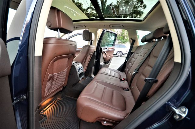 2013 Volkswagen Touareg Lux Reseda, CA 26