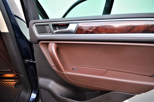 2013 Volkswagen Touareg Lux Reseda, CA 29