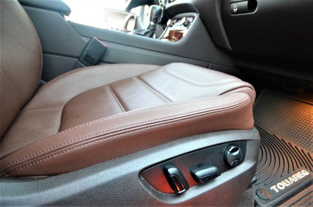 2013 Volkswagen Touareg Lux Reseda, CA 32