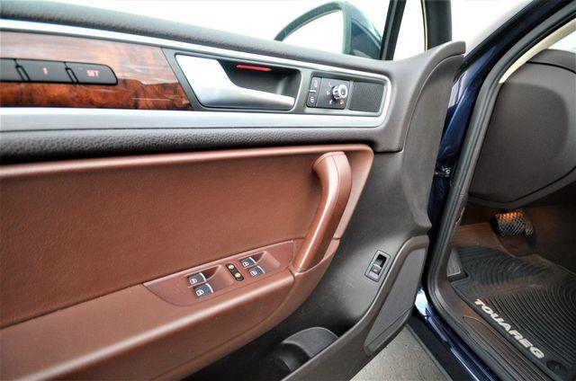 2013 Volkswagen Touareg Lux Reseda, CA 33