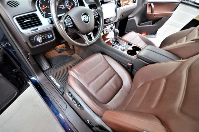 2013 Volkswagen Touareg Lux Reseda, CA 34