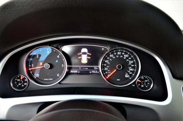 2013 Volkswagen Touareg Lux Reseda, CA 35