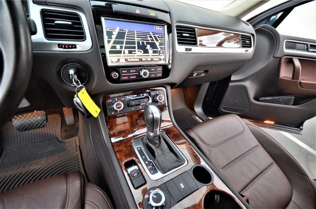 2013 Volkswagen Touareg Lux Reseda, CA 36