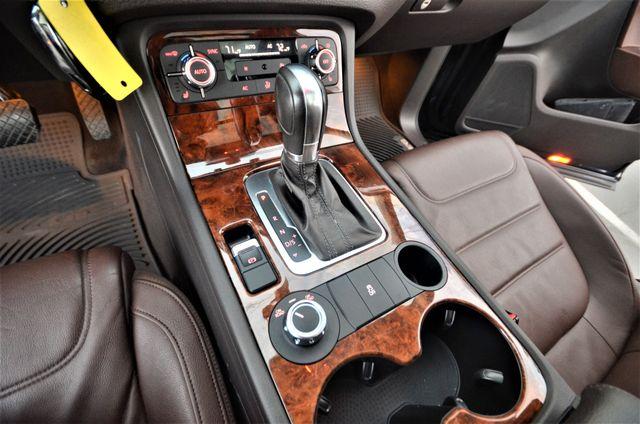 2013 Volkswagen Touareg Lux Reseda, CA 37