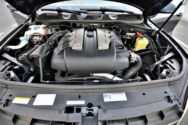 2013 Volkswagen Touareg Lux Reseda, CA 39