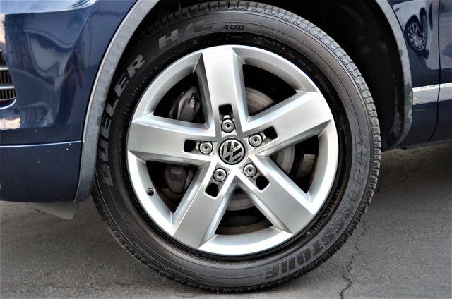 2013 Volkswagen Touareg Lux Reseda, CA 14