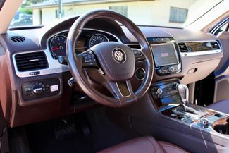 2013 Volkswagen Touareg Executive AWD 3.0L TDI Diesel Sealy, Texas 23