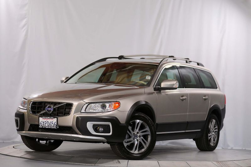 2013 Volvo XC70 32L Premier Plus - Navigation - Leather  city California  MDK International  in Los Angeles, California