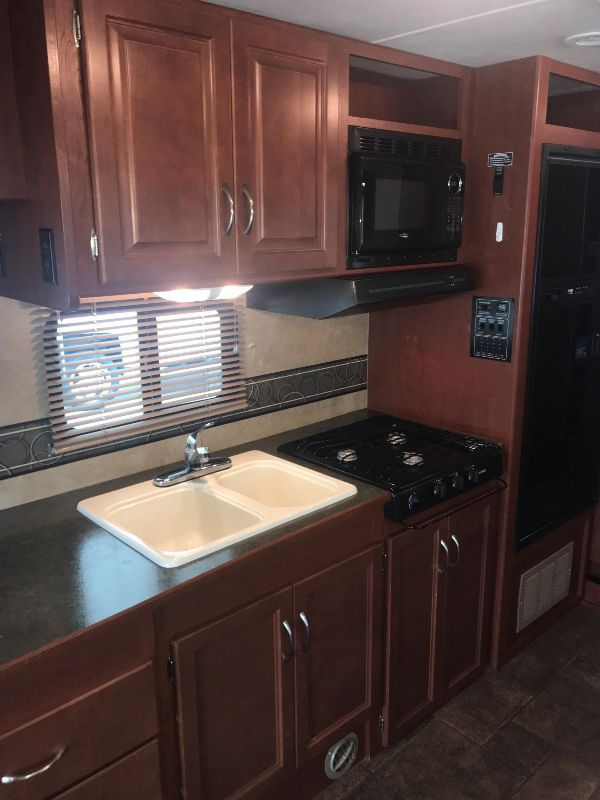 2014 Winnebago MINNIE WINNIE 331K  in Charleston, SC