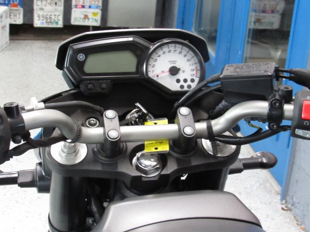 2013 Yamaha FZ8 in Dania Beach , Florida 33004