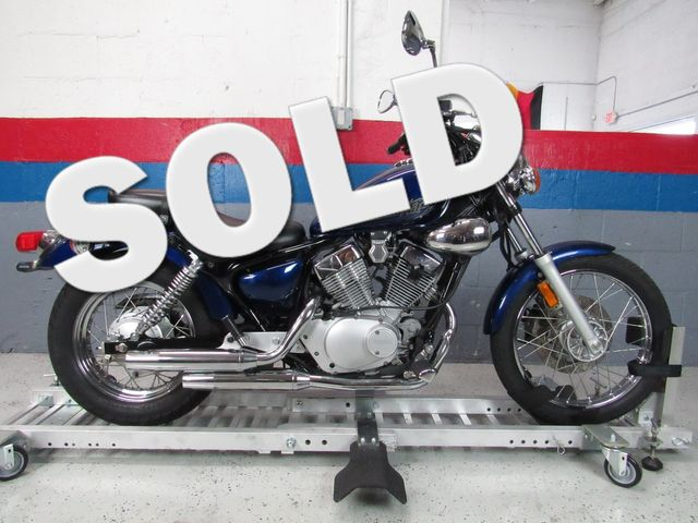 2013 Yamaha V Star 250 $1500 Down and your Ride