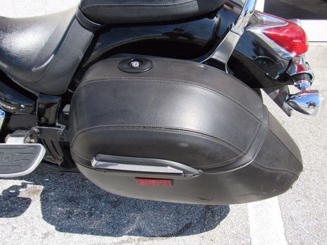 2013 Yamaha V Star 950 Tourer in Dania Beach Florida, 33004