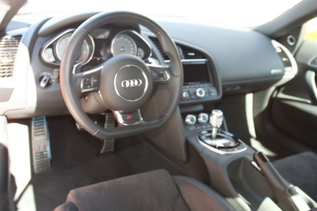 2014 Audi R8 Coupe V8 Houston, Texas 16