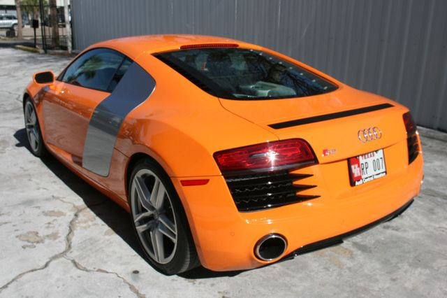 2014 Audi R8 Coupe V8 Houston, Texas 3