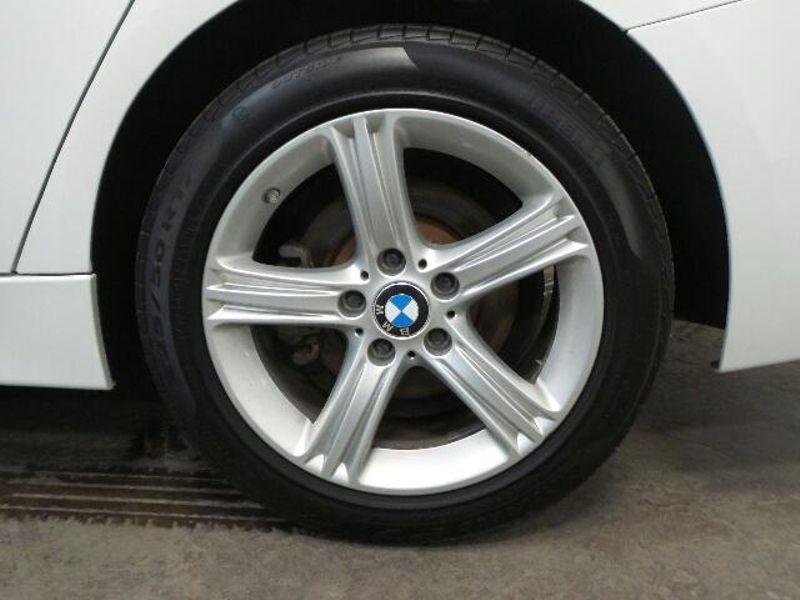 2014 BMW 320i xDrive 4dr Sdn 320i xDrive AWD  in Victoria, MN