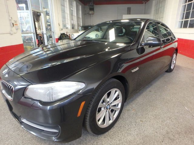 2014 Bmw 528 X-Drive, BEAUTIFUL RIDE!~ ALL WHEEL DRIVE Saint Louis Park, MN 9