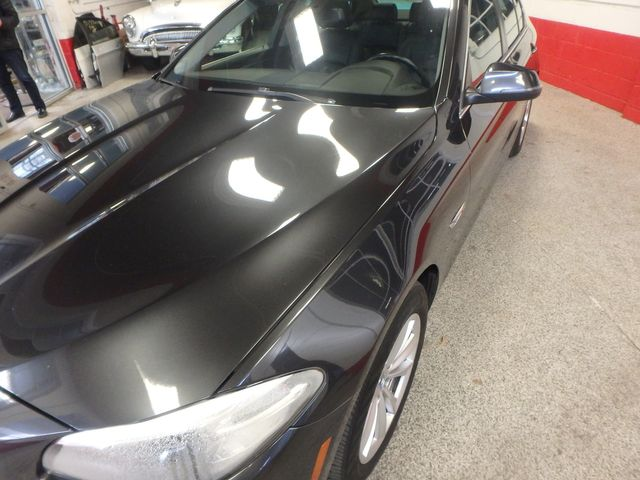 2014 Bmw 528 X-Drive, BEAUTIFUL RIDE!~ ALL WHEEL DRIVE Saint Louis Park, MN 28