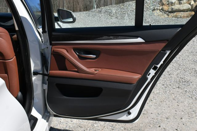2014 BMW 550i xDrive Naugatuck, Connecticut 13