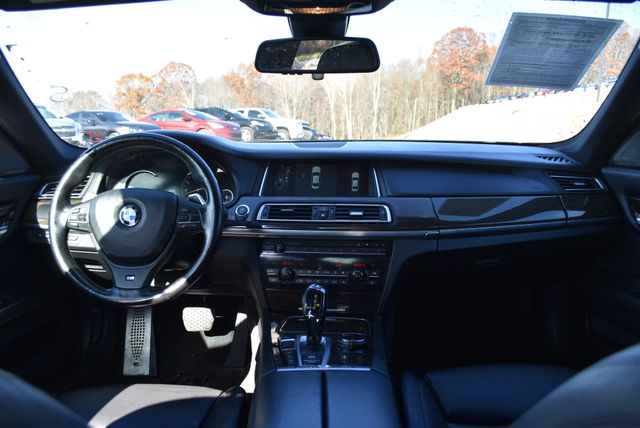 2014 BMW 750Li xDrive Naugatuck, Connecticut 16