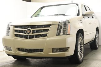 2014 Cadillac Escalade Premium w/ Power Running Boards in Branford, CT 06405