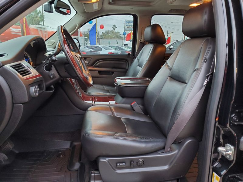 2014 Cadillac Escalade Luxury  Brownsville TX  English Motors  in Brownsville, TX