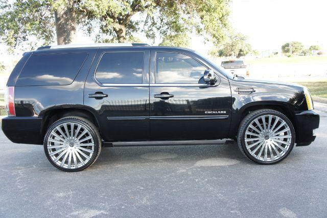 2014 Cadillac Escalade Premium in San Antonio, TX 78233