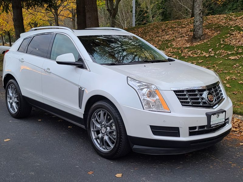2014 Cadillac SRX All Wheel Drive  Only 15000 Mile Local 1 Owner Loaded With Options  city Washington  Complete Automotive  in Seattle, Washington