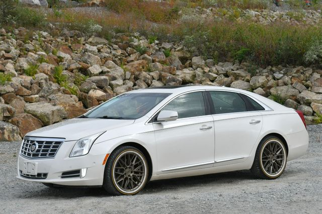 2014 Cadillac XTS Luxury Naugatuck, Connecticut 2