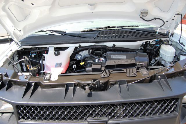 2014 Chevrolet 12 Pass. LS Charlotte, North Carolina 21