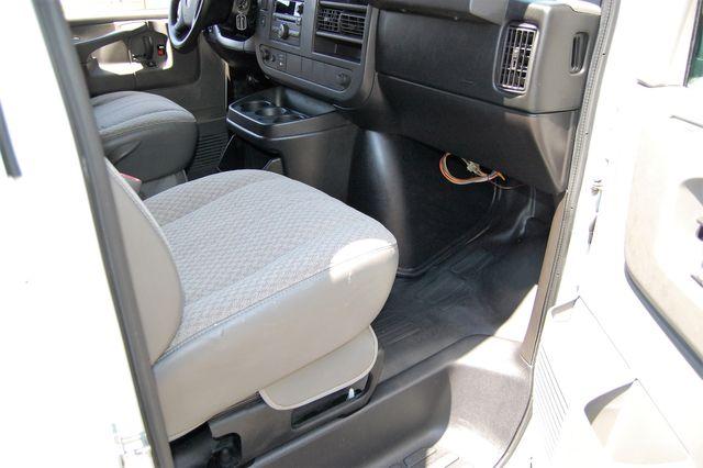 2014 Chevrolet 12 Pass. LS Charlotte, North Carolina 6