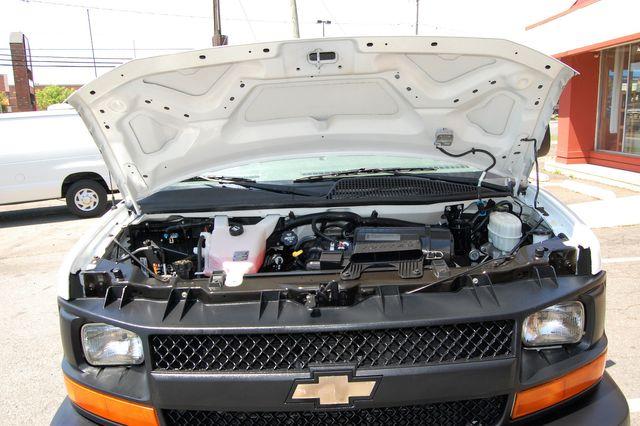 2014 Chevrolet 12 Pass. LS Charlotte, North Carolina 20