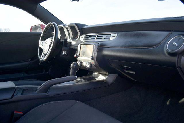 2014 Chevrolet Camaro LT Naugatuck, Connecticut 8