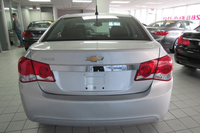 2014 Chevrolet Cruze LS Chicago, Illinois 6