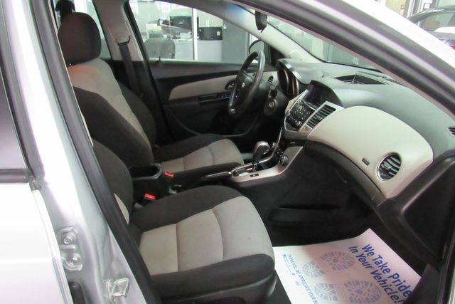 2014 Chevrolet Cruze LS Chicago, Illinois 8