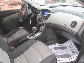 2014 Chevrolet Cruze LS Gardena, California 8